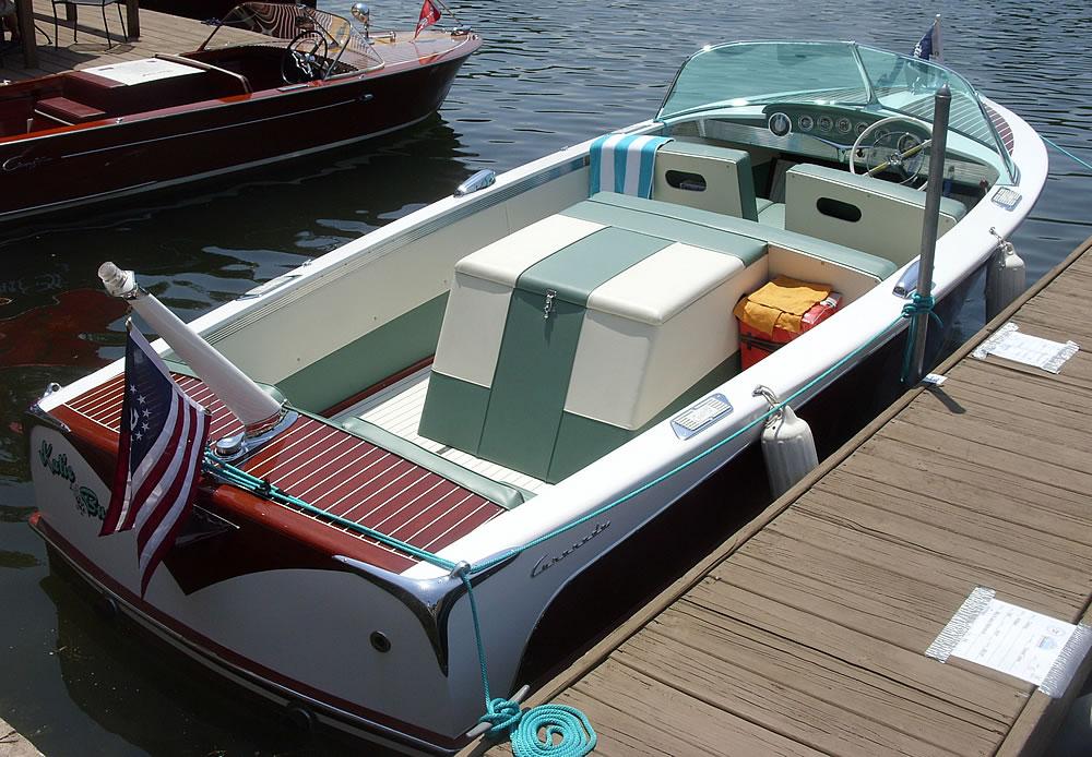2014-Classic-Boat-Show-13-1000-KatieBug