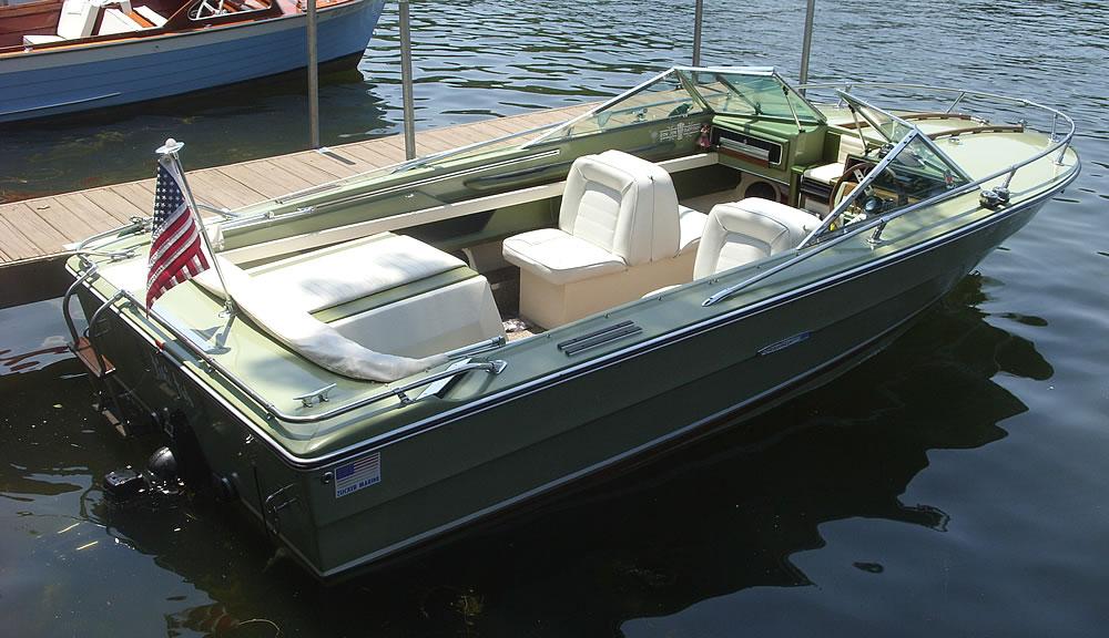 2014-Classic-Boat-Show-18-1000-TikiTub